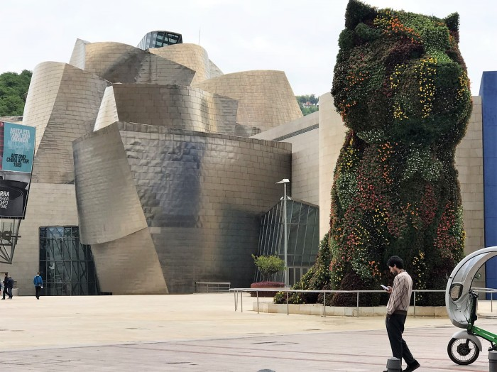 Bilbao's Guggenheim Museum: getting our art on
