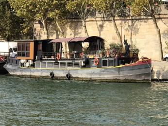 houseboat 4